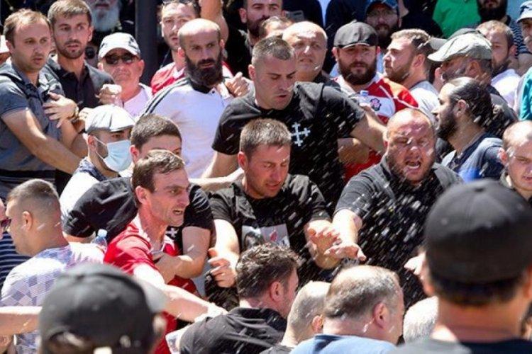 Gürcistan parlamentosunda kavga kıyamet!
