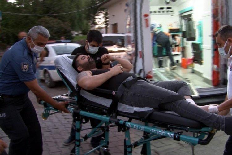 Kazayla kendini yaralayan kişi hastaneye kaldırıldı