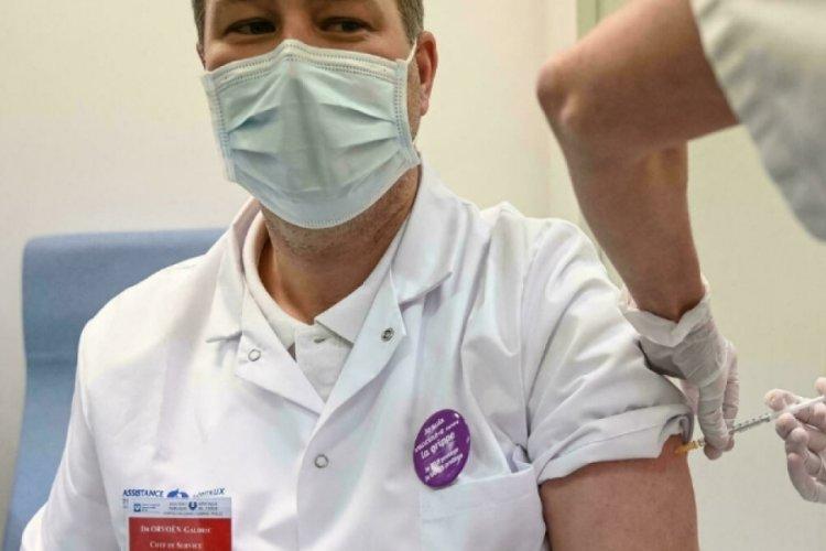 Fransa'da aşı kararı: Zorunlu oldu