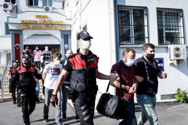 Bursa'da fuhuş operasyonu: 13 şüpheli yakalandı