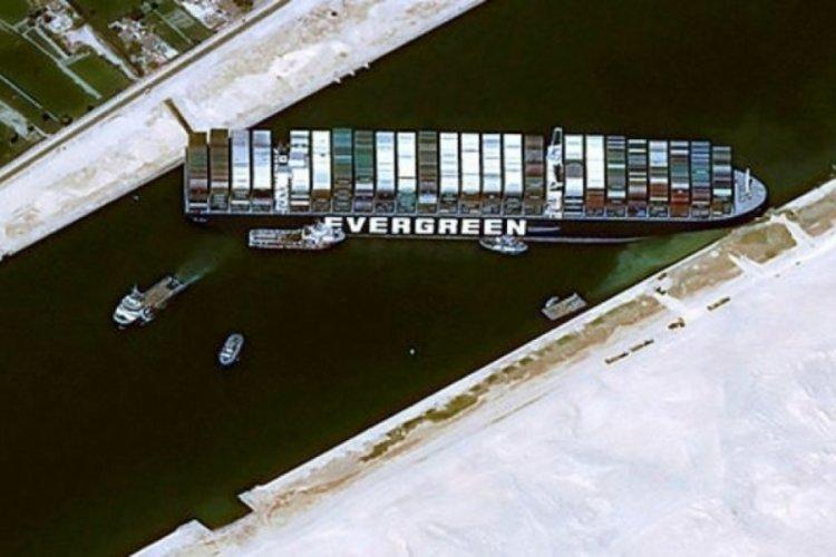 The Ever Given gemisi Mısır karasularından ayrıldı