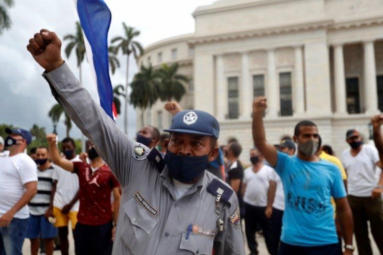 Küba, protestolarında ilk can kaybını verdi!