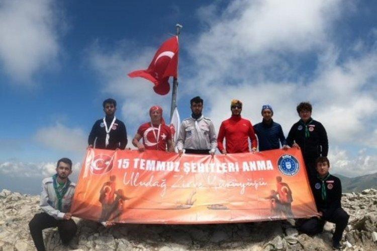 Bursa'da ay yıldızlı bayrak zirvedeki yerini aldı