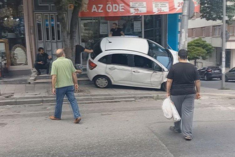 Gaziosmanpaşa'da ehliyetsiz çırak ortalığı birbirine kattı