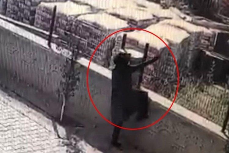 Ankara'da kadın hırsızlar kameralara yansıdı