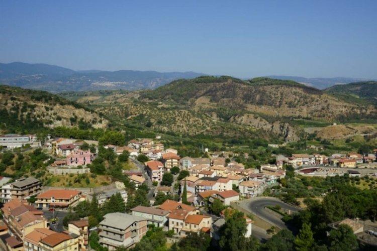 Bu köye taşınana 285 bin lira verilecek!