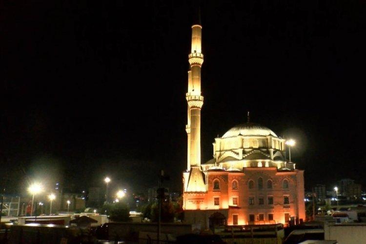 Türkiye genelinde camilerden sela ses yüksedi