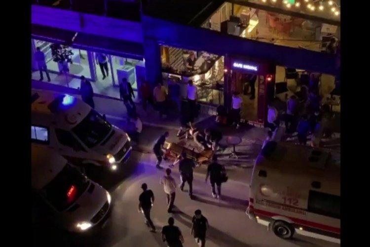 Bursa'da bıçaklanan 2 arkadaş yaralı halde kafeye gidip yardım istedi: 1 ölü, 1 yaralı