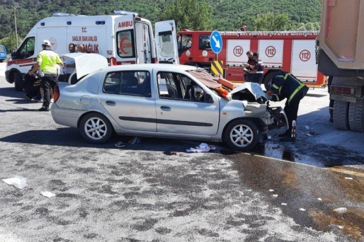 Hafriyat kamyonu kaza yaptı bir kişi öldü