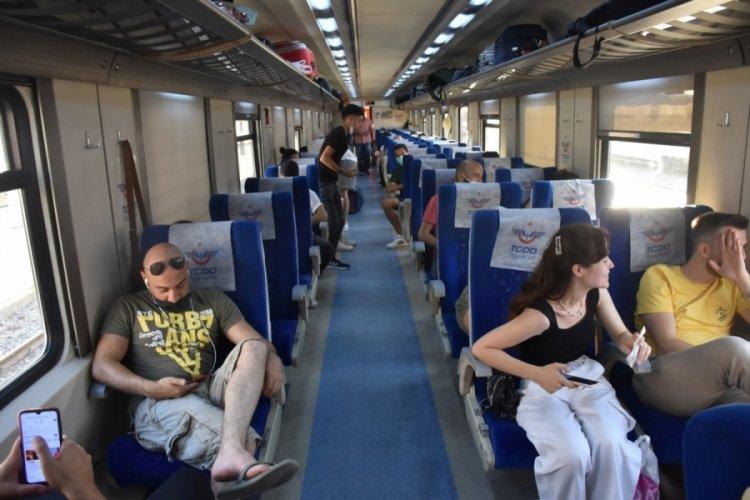 Otobüs fiyatları artınca tatilcilerin tercihi tren oldu