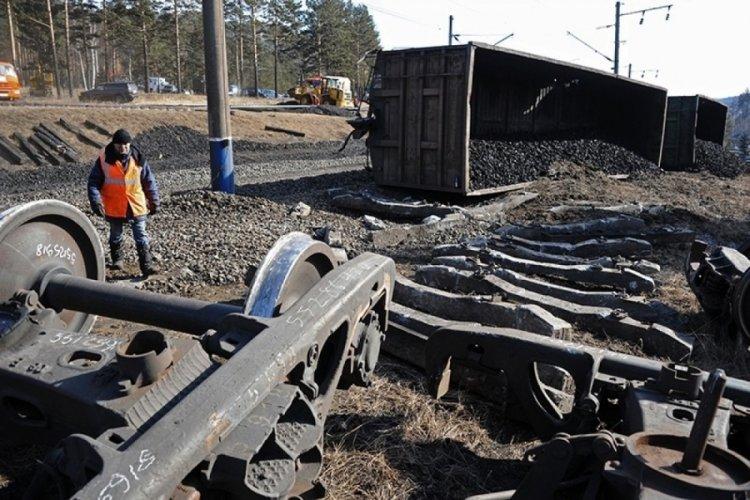 Rusya'da tren kazası: 2 makinist öldü