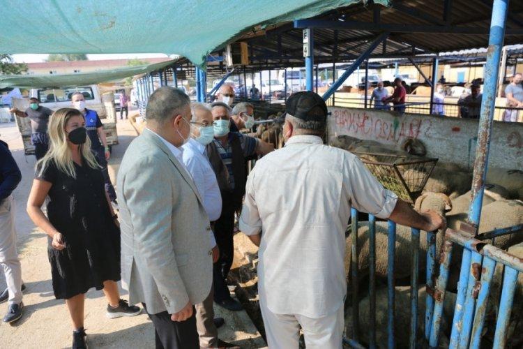 Bursa Nilüfer Belediye Başkanı Erdem'den hayvan pazarına ziyaret