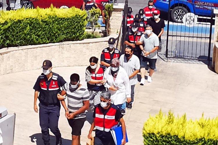 Jandarma ve MİT'ten ortak operasyon: Yunanistan'a kaçmaya çalışırken yakalandılar