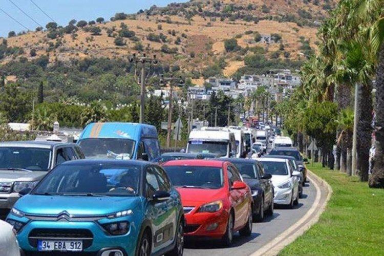 Bodrum'a tatilci akını! 1 haftada 140 bin araç girdi