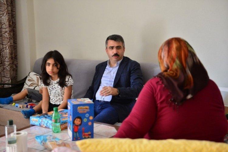 Bursa Yıldırım Belediye Başkanı Yılmaz bayramın ilk günü onu ziyaret etti