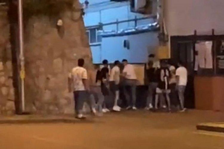 İzmit'te saldırıya uğrayan gençleri askerler kurtardı!