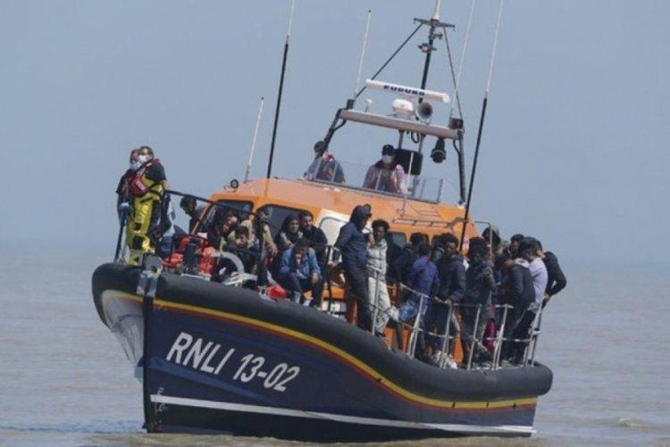 İngiltere'ye rekor sayıda sığınmacı ulaştı!