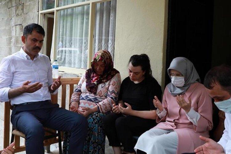 Bakan Murat Kurum, Rize'de acılı aileleri ziyaret etti