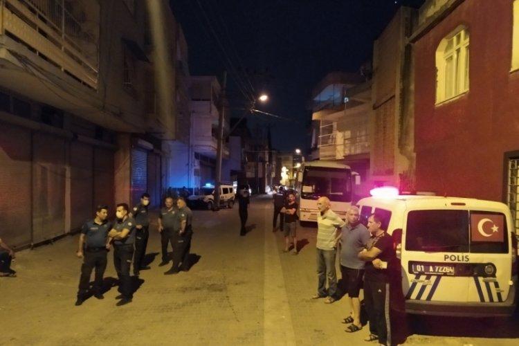 Adana'da kız alıp verme meselesi yüzünden akrabalarını vurdu!