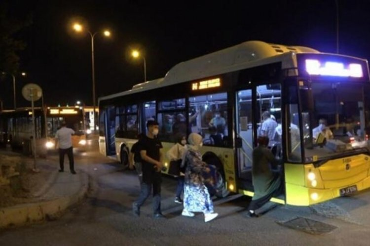 Yakıtı biten İETT otobüsü trafiği kilitledi!