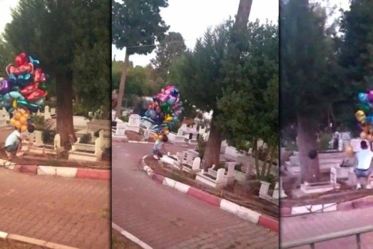 Antalyalı baloncunun yürek burkan mezarlık ziyareti