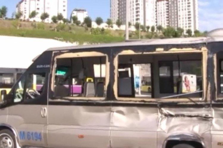 Belediye otobüsü ile dolmuş çarpıştı: 11 yaralı