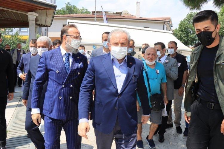 Mustafa Şentop, şehit bekçinin ailesini ziyaret etti
