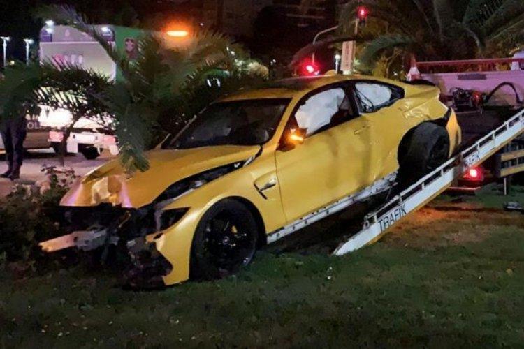 Lüks araçla kaza yapıp kaçtı