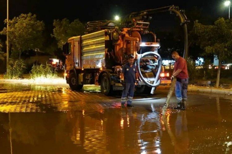 Tatil beldesi Çeşme'de kanalizasyon taştı