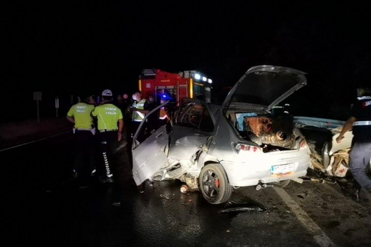 Bursa'da gaz pedalı takılı kalan TIR dehşet saçtı! 1 ölü