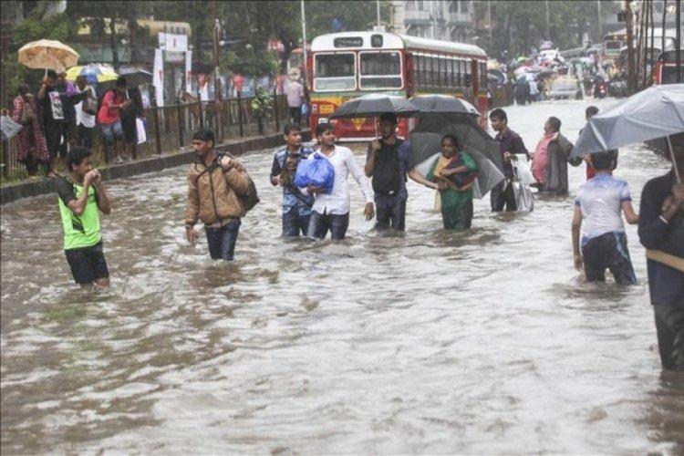 Hindistan'da sel felaketinde hayatını kaybedenlerin sayısı164'e yükseldi