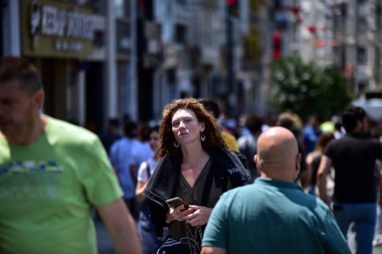 Taksim'de koronavirüs unutuldu