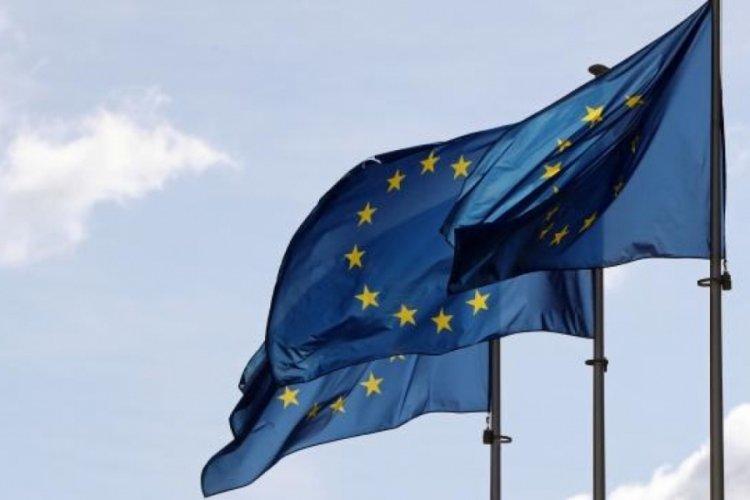 Avrupa Birliği (AB) en az bir doz aşı olması hedefine vardıklarını bildirdi