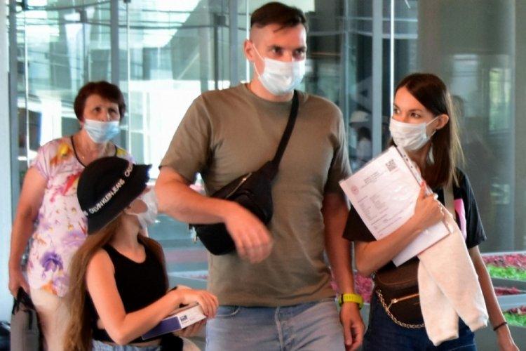 İngiliz bilim insanı tarih verdi! Koronavirüs pandemisi ne zaman bitecek?