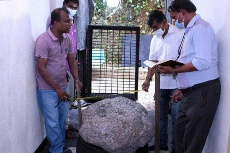Sri Lanka'da kuyu kazarken dünyanın en büyük safirini buldular