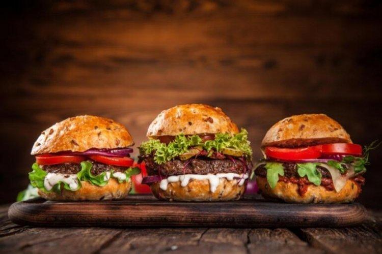 Küresel markalara hamburgerle meydan okuyorlar