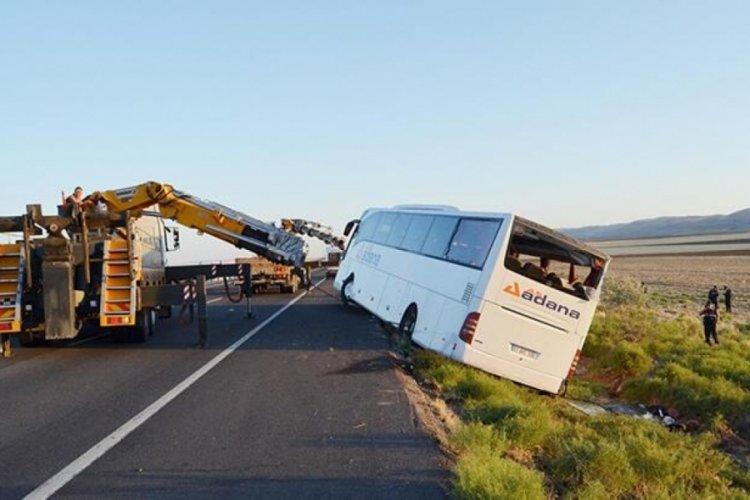 Aksaray'da korkunç kaza! Yolcu otobüsü devrildi: 22 yaralı