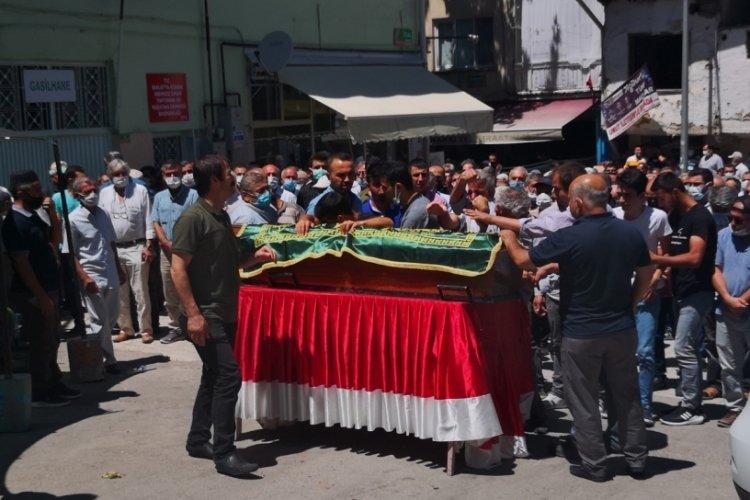 Malatya'da eşi tarafından öldürülen 3 çocuk annesi toprağa verildi