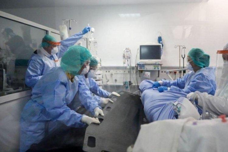 İtalya'da koronavirüsten ölenlerin yüzde 99'u aşı yaptırmayanlar