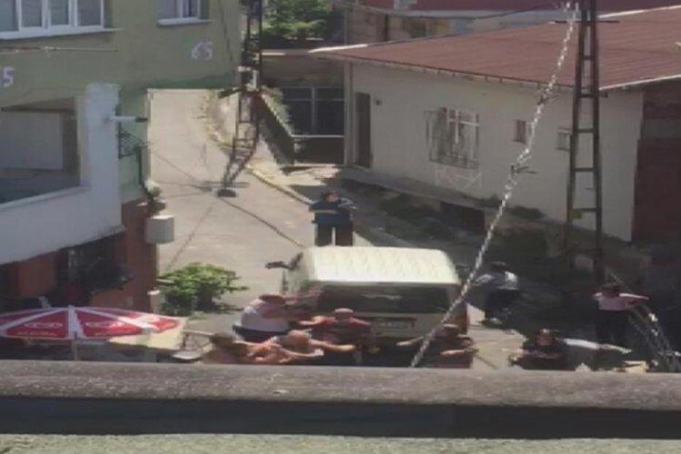 İstanbul Beyoğlu'nda dünürler arasındaki silahlı çatışmada dehşetin görüntüsü çıktı!
