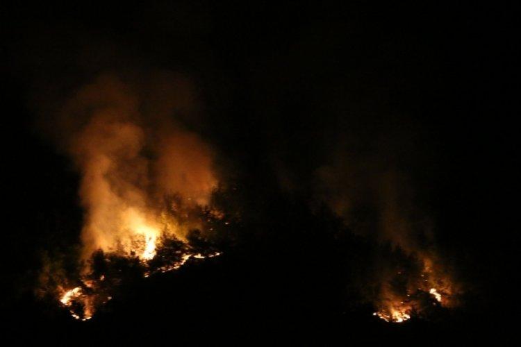 Adana Kozan'daki yangın kontrol altına alınmaya çalışılıyor