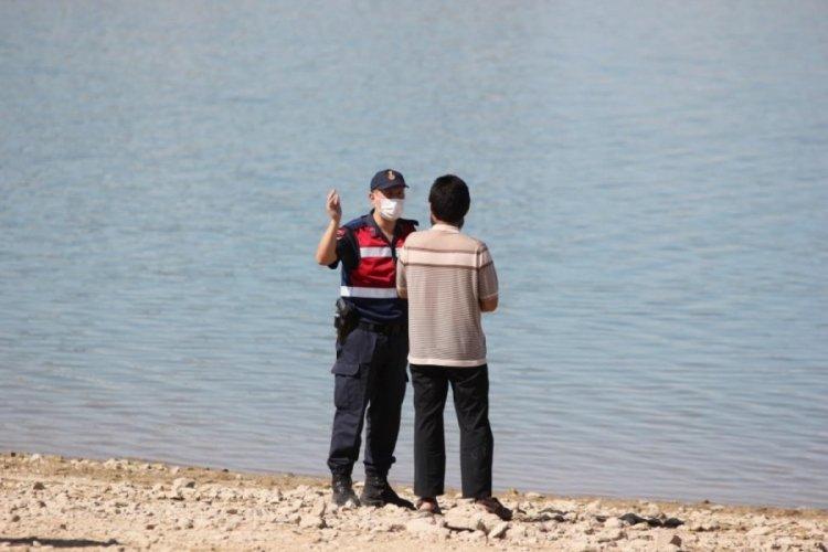 Baraj gölünde kaybolan kişileri arama çalışmaları yarın devam edecek