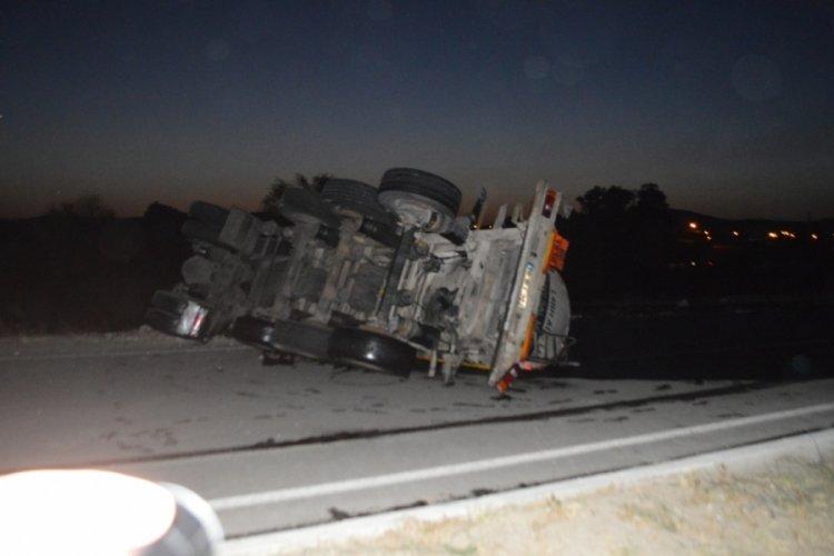 Asit tankeri kaza yaptı: Faciadan dönüldü