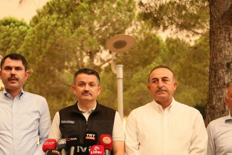 Bakan Çavuşoğlu, yangında zarar görenler için destek verileceğini açıkladı