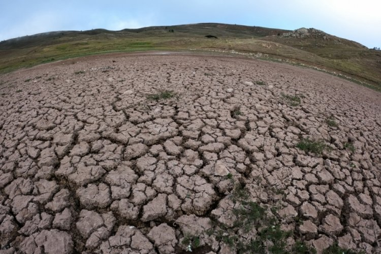 Dipsiz Göl tamamen kurudu!