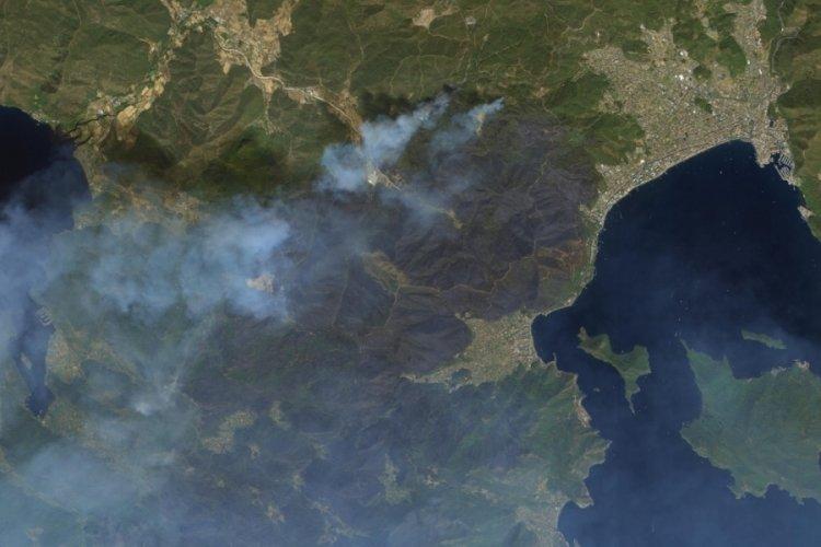 Marmaris ve Manavgat'taki yangın uzaydan görüntülendi