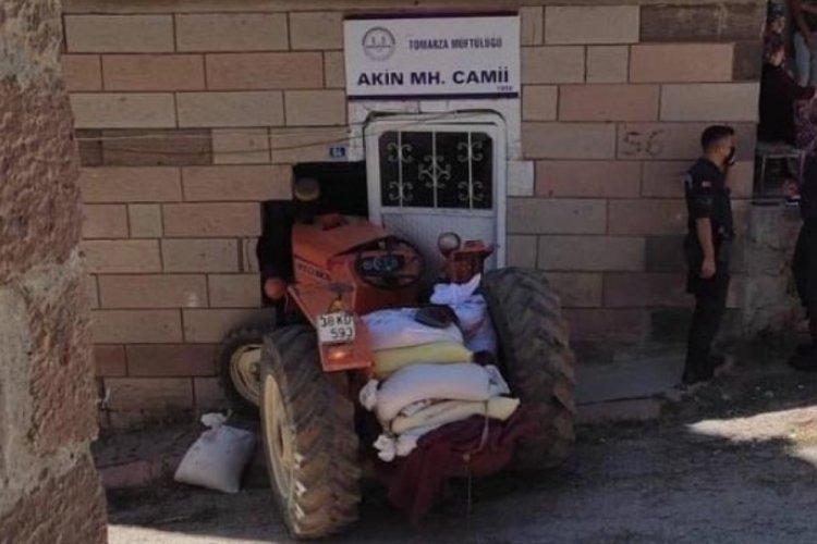 Kayseri'de cami duvarına çarpan sürücü öldü