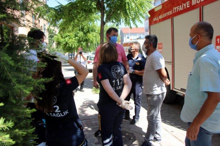 Bolu'da kötü koku nedeniyle şikayet edilen kişi ekiplere kapıyı açmadı