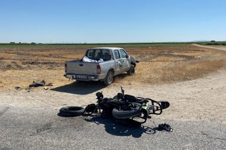 Aksaray'da feci kaza! Kamyonet ile motosiklet çarpıştı