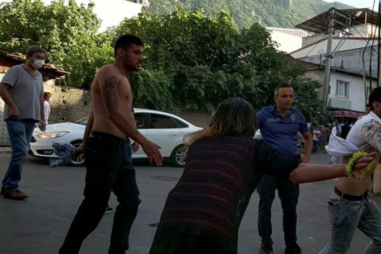 Bursa'da husumetliler arasında kanlı kavga!